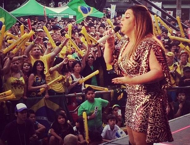 A cantora Preta Gil se apresenta no Brazilian Day em Tóquio, no Japão (21/7/12)