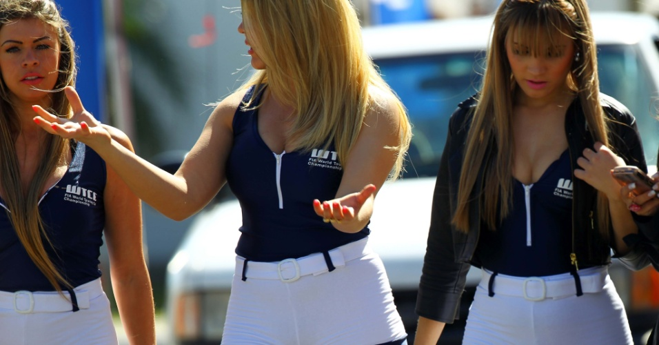 Grid girls ajudaram a embelezar o ambiente na etapa de Curitiba do WTCC