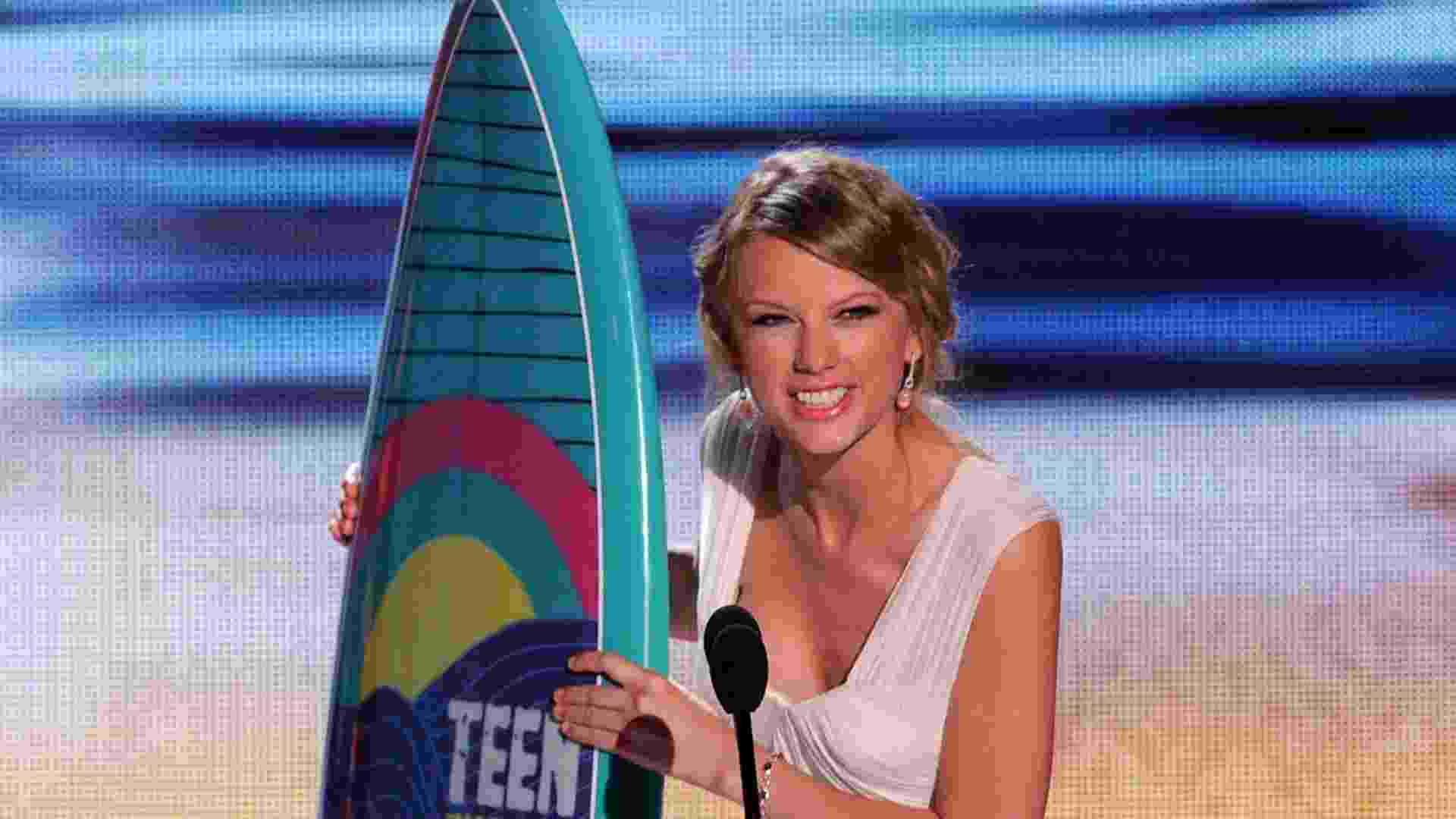 Taylor Swift ganha cinco prêmios do Teen Choice Awards, em Los Angeles (22/7/12) - Getty Images
