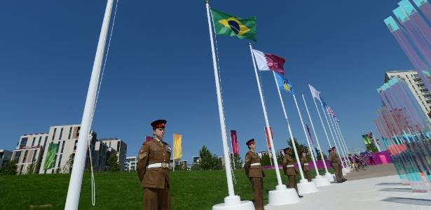 Bandeira do Brasil foi hasteada na Vila Olímpica dos Jogos de Londres