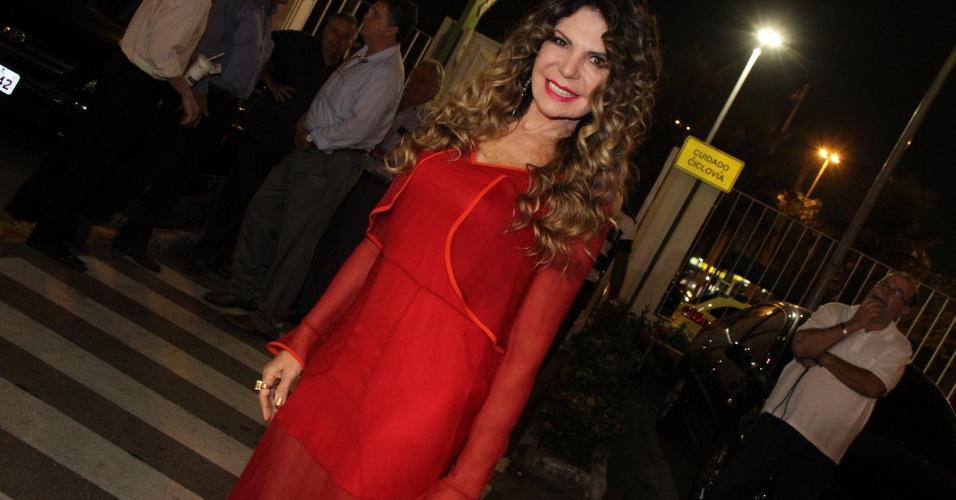 Elba Ramalho também esteve na entrega da premiação, que aconteceu na casa de shows Miranda, no RJ (23/07/12)