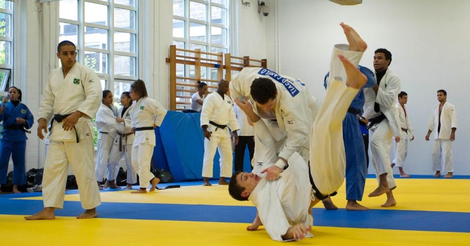 Equipe brasileira de judô treina em Sheffield para os Jogos Olímpicos de Londres