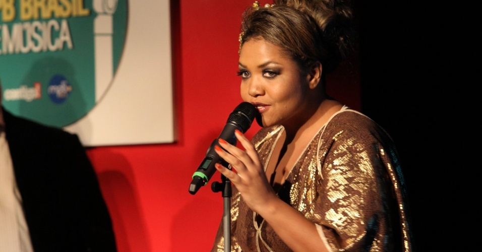 Gaby Amarantos também subiu ao palco da premiação nesta segunda-feira (23/07/12)