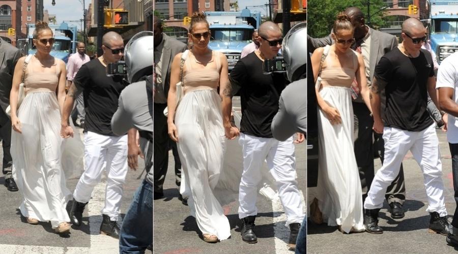 Jennifer Lopez comemorou o aniversário na companhia do namorado, o bailarino Casper Smart (24/7/12)