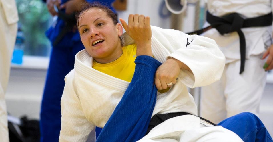Maria Portela, do judô, treina com a equipe brasileira os Jogos Olímpicos de Londres