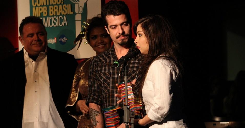 Martin e Pitty agradecem pelo prêmio na categoria projetos especiais (23/07/12)