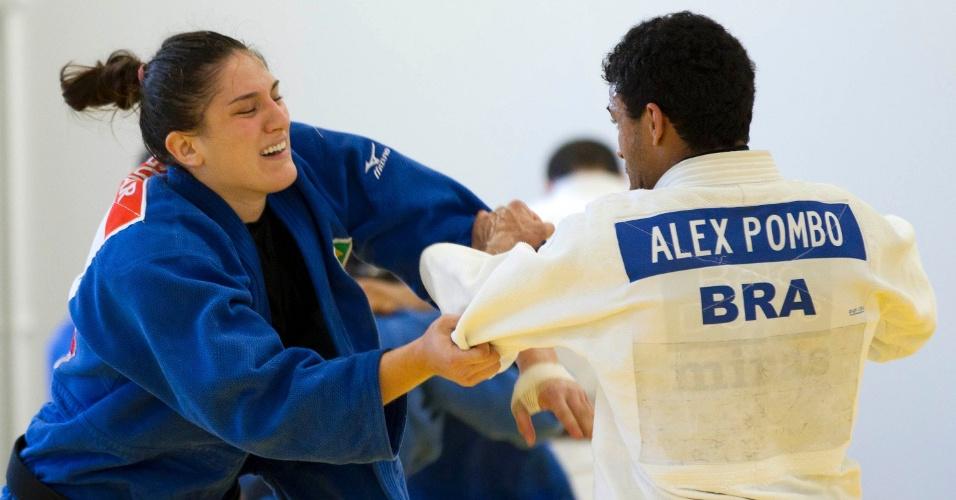 Mayra Aguiar durante treinamento da equipe brasileira de judô, em Sheffield, para os Jogos Olímpicos