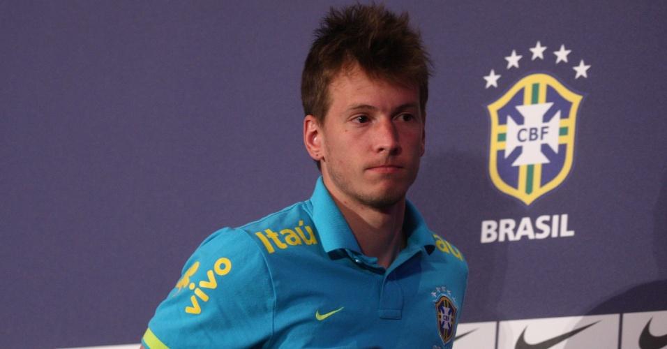 O goleiro Neto comentou o corte do companheiro Rafael da seleção brasileira