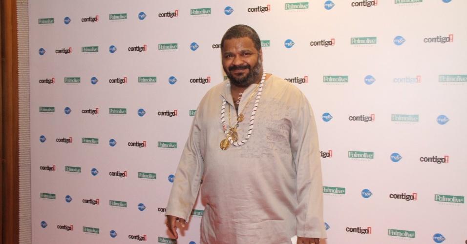 """O músico Arlindo Cruz recebeu o prêmio de álbum de samba por seu trabalho em """"Batuques e Romances"""" (23/07/12)"""