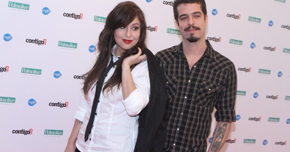 Pitty e Martin, do duo Agridoce, chegam à premiação (23/07/12)
