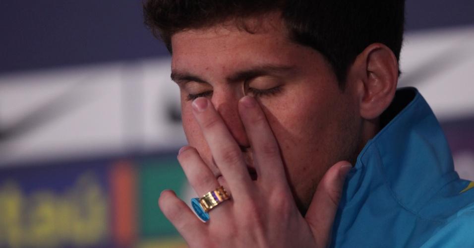 Rafael lesionou o cotovelo ao se chocar com um dos bonecos utilizados no treino e está cortado de Londres-2012