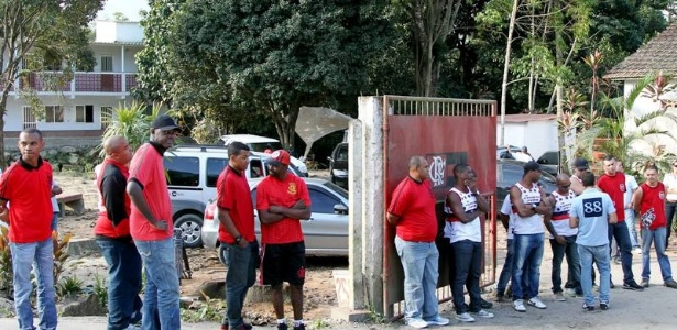 Organizadas do Flamengo têm o costume de protestar no Ninho do Urubu