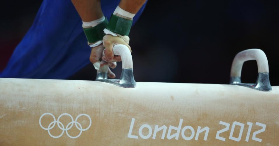 Ginasta realiza treino em cavalo antes do início dos Jogos de Londres (25/07/12)