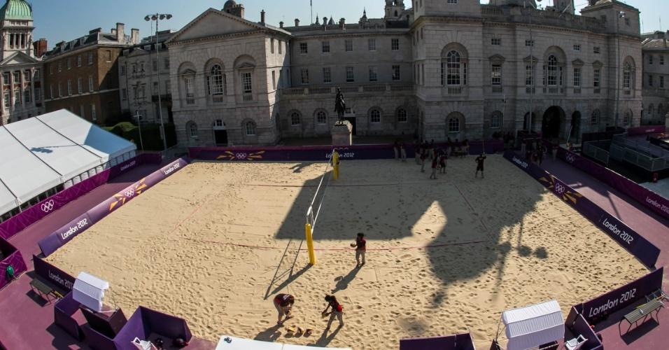Príncipe Harry deve fazer visita durante a competição na arena erguida na Horse Guards Parade, morada da cavalaria da rainha