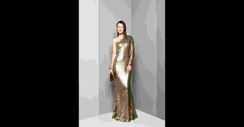 Vestido dourado de um ombro só; R$ 2.850, na Barbara Bela (Tel.: 31 3291-0773). Preço pesquisado em julho de 2012 e sujeito a alterações - Divulgação
