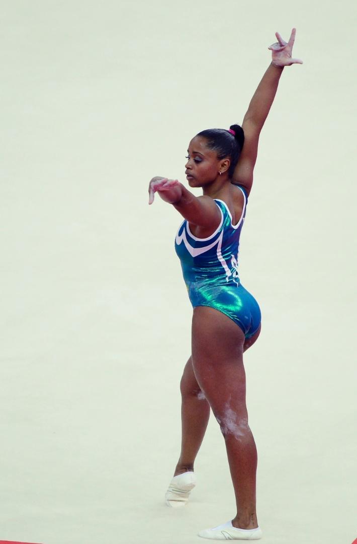 Daiane dos Santos também foi ao tablado nesta quinta-feira, um dia antes da abertura da Olimpíada (26/07/12)