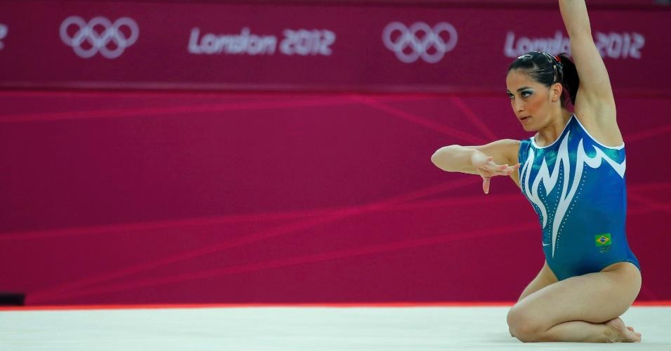 Daniele Hypólito treina para competição de ginástica dos Jogos de Londres (26/07/12)