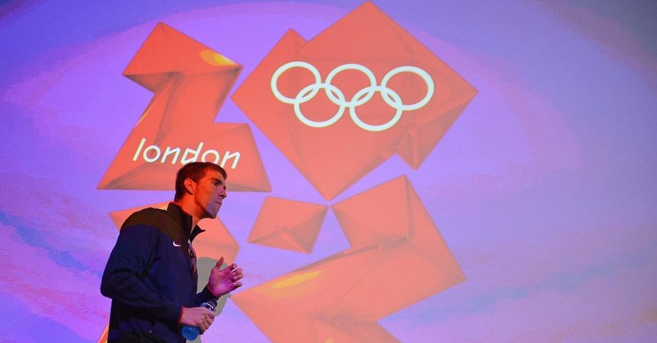 Michael Phelps em aparição para coletiva de imprensa em Londres (26/07/2012)
