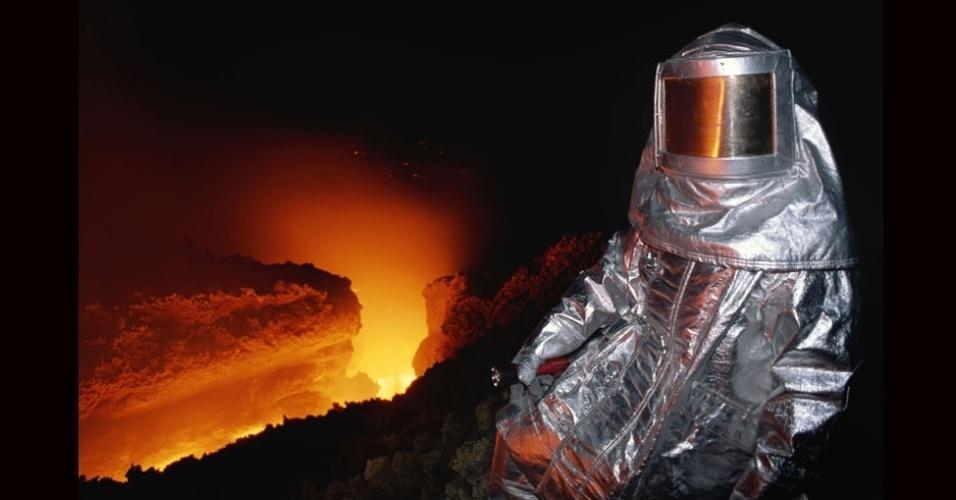 27.jul.2012 - A vestimenta protegia o fotógrafo de temperaturas, que ultrapassavam os 1.100 °C