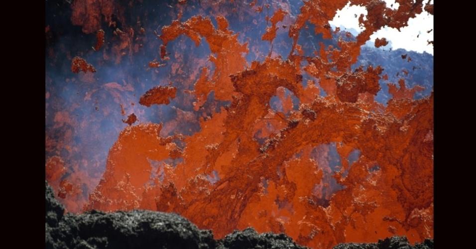 27.jul.2012 - Localizado no Congo, o Nyiragongoo é um dos vulcões mais ativos do mundo