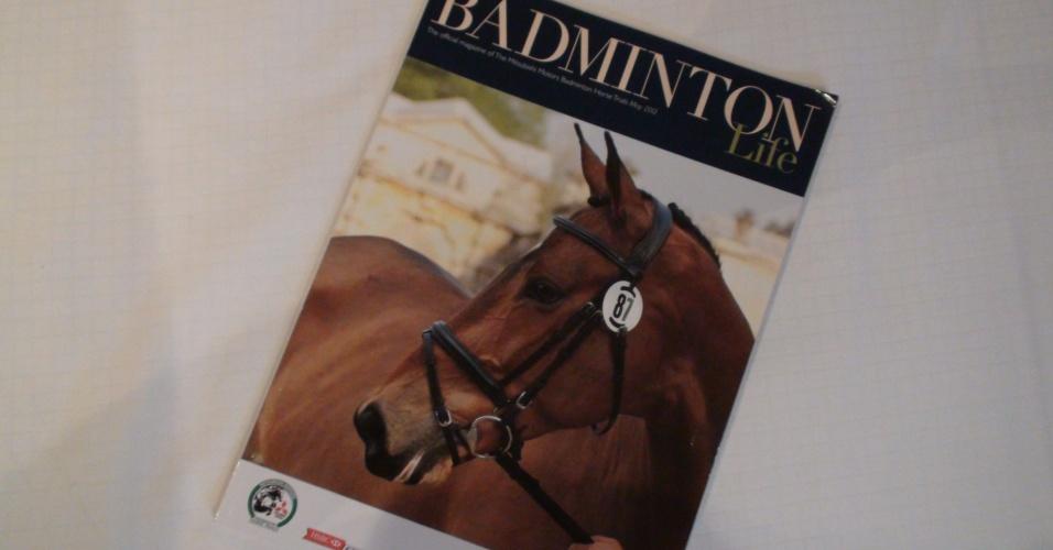 """A revista chamada """"Badminton Life"""" é sobre hipismo e mostra que a piaxão esportiva da localidade mudou"""