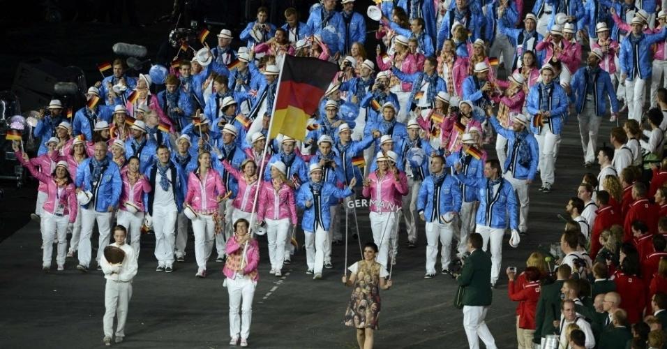Atletas da Alemanha desfilam durante cerimônia de início dos Jogos Olímpicos de Londres