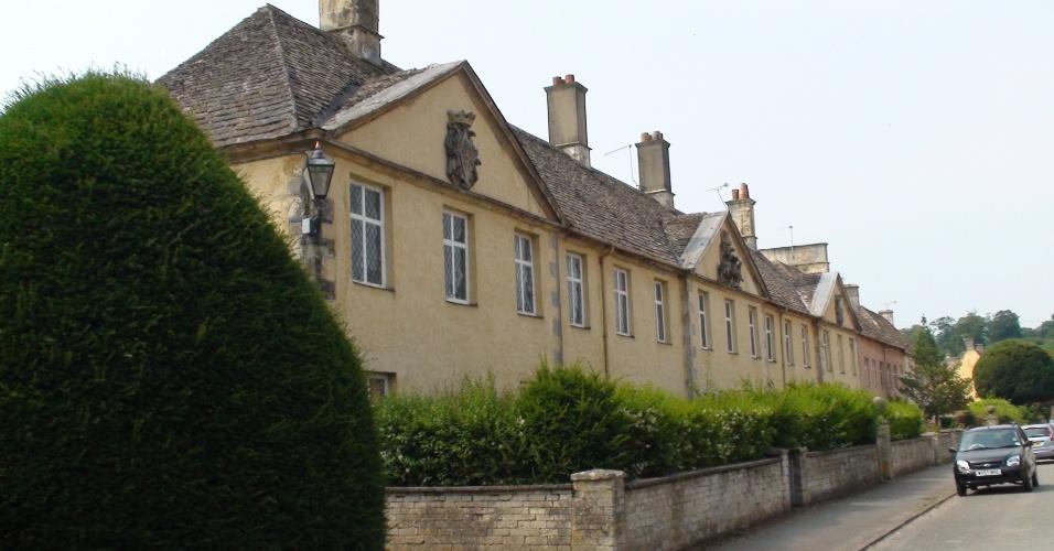 Badminton é uma típica locidade das Costwolds, região entre Bristol e Oxford conhecida por aldeias pitorescas e muito visitada pelo londrinos