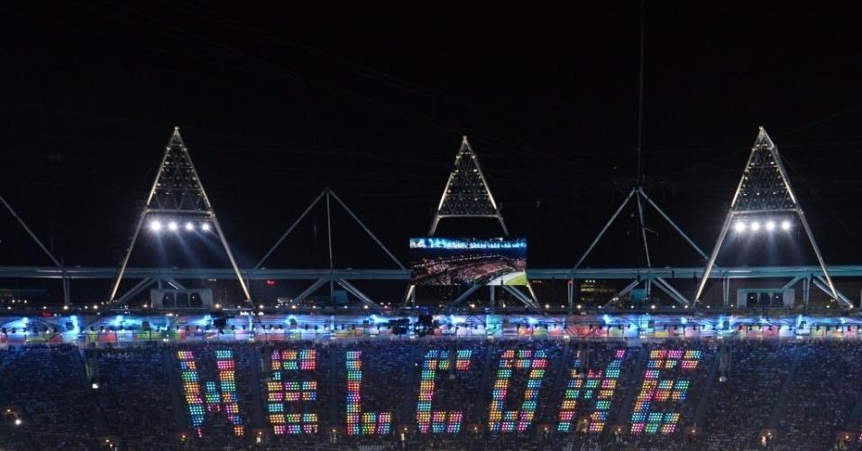 Cerimônia em Londres tem mensagem de  boas-vindas aos atletas que disputarão os Jogos Olímpicos