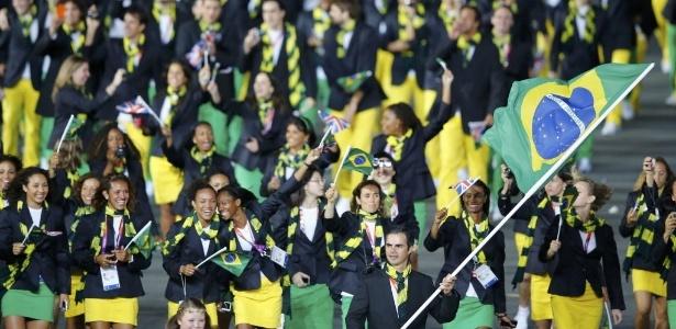 Grife badalada fará uniformes brasileiros do Pan e apresentará na ... b3c3145933927