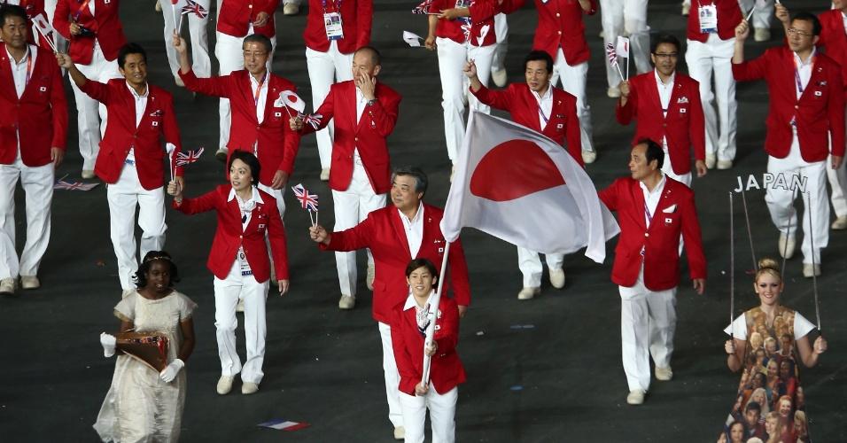 Delegação do Japão desfila durante cerimônia de abertura em Londres