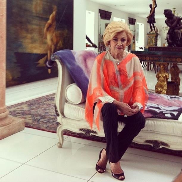 Hebe Camargo participa de gravação em sua casa, em São Paulo (27/7/2012)