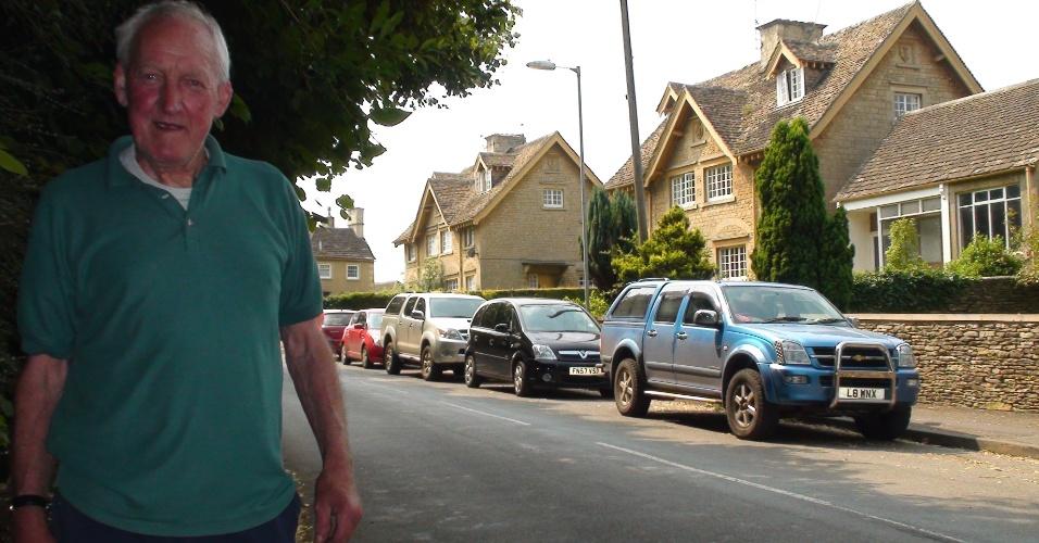 O construtor aposentado Michael Chalderlew mora a vida na localidade e não viu uma partida de badminton por lá