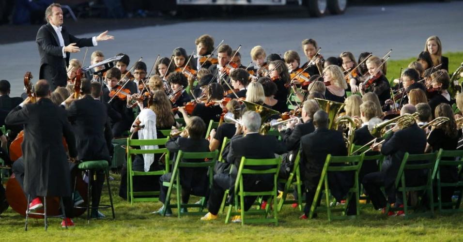 Orquestra Sinfônica de Londres se apresenta durante cerimônia de abertura dos Jogos Olímpicos