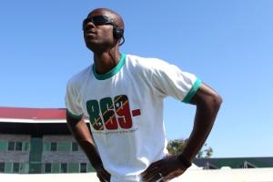 Velocista de São Cristóvão e Nevis, Kim foi campeão mundial em 2003 e chegou com tempo de 10s05