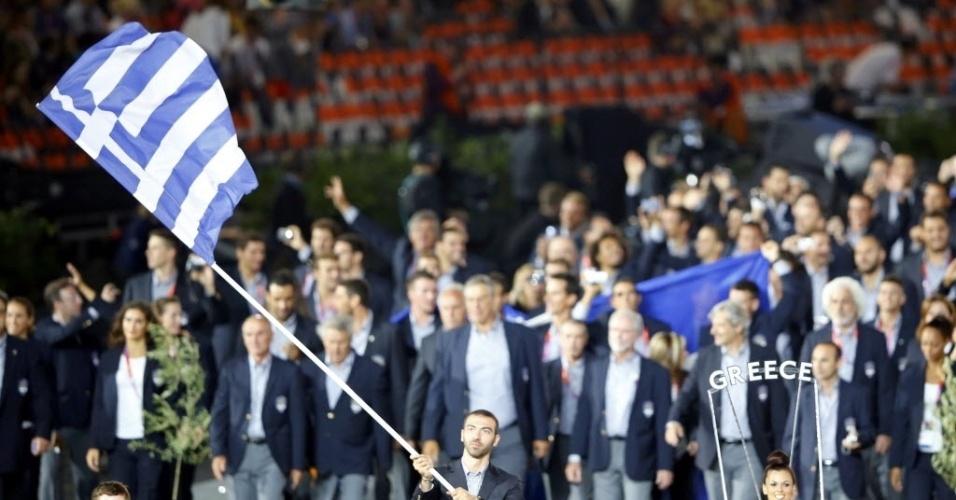 Seguinda tradição, delegação da Grécia abre desfile dos países na cerimônia de abertura dos Jogos