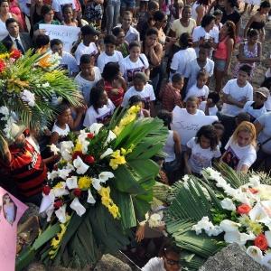 Bruna foi enterrada no sábado (28) em cerimônia realizada no cemitério do Caju, na zona norte do Rio - Luiz Roberto Lima /Futura Press/AE