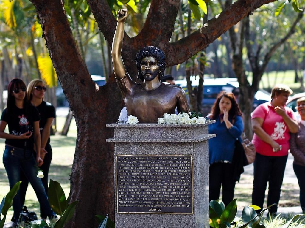 Busto de Sócrates, agora, fica para a história do Parque São Jorge