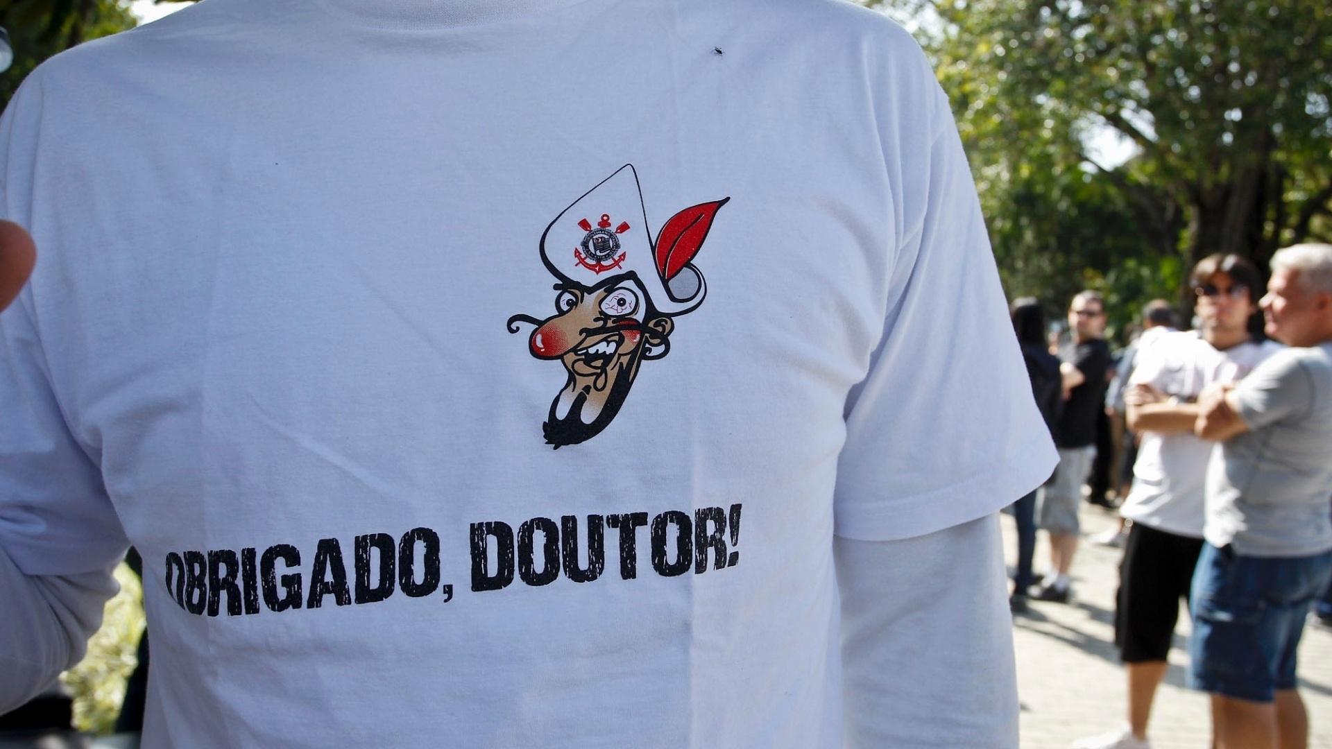 Camisa especial lembra apelido de ídolo corintiano no Parque São Jorge