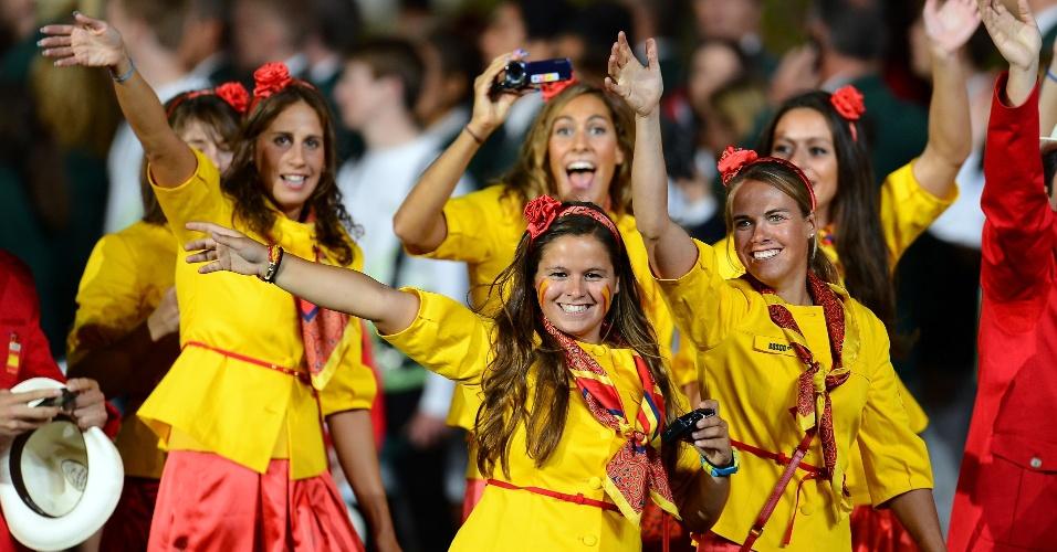 Espanholas fazem a festa com sorrisos e beleza na cerimônia de abertura das Olimpíadas