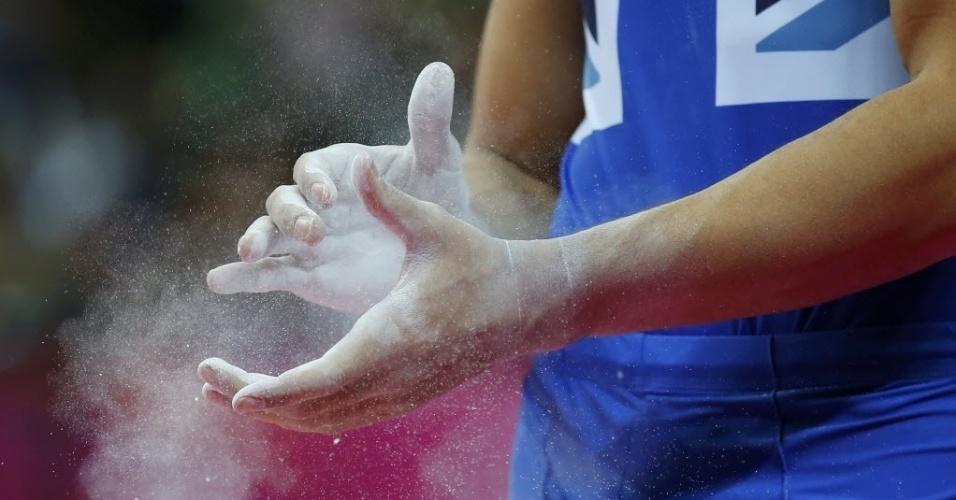 O ginasta britânico Louis Smith se prepara para competir em Londres
