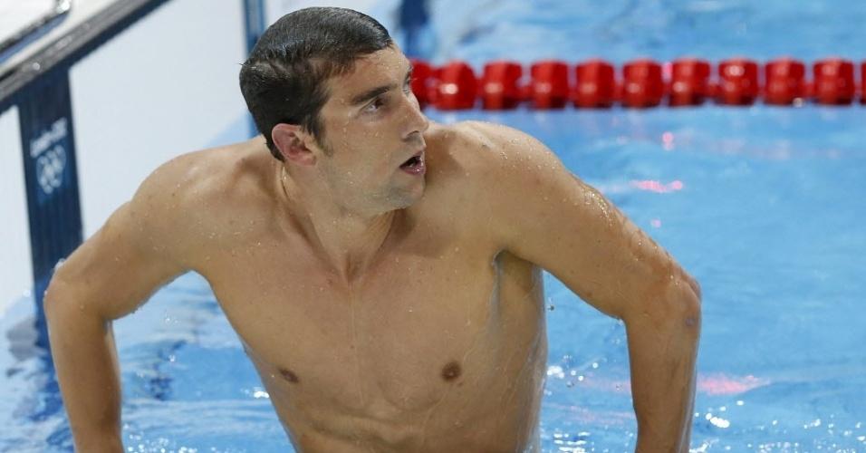 Phelps sai da piscina descontente com desempenho na prova individual dos 400 m medley em Londres