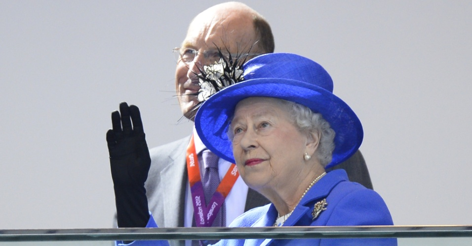 Rainha Elizabeth 2ª compareceu ao Parque Aquático para acompanhar provas de natação (28/07/12)