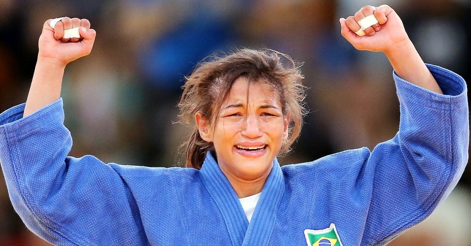 Sarah Menezes chora depois de conquistar a primeira medalha de ouro do Brasil na Olimpíada