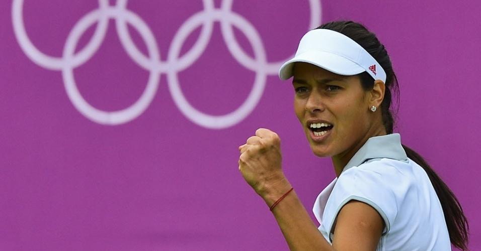 Sérvia Ana Ivanovic comemora ponto contra a norte-americana Christina McHale em sua estreia nos Jogos de Londres (28/07/2012)