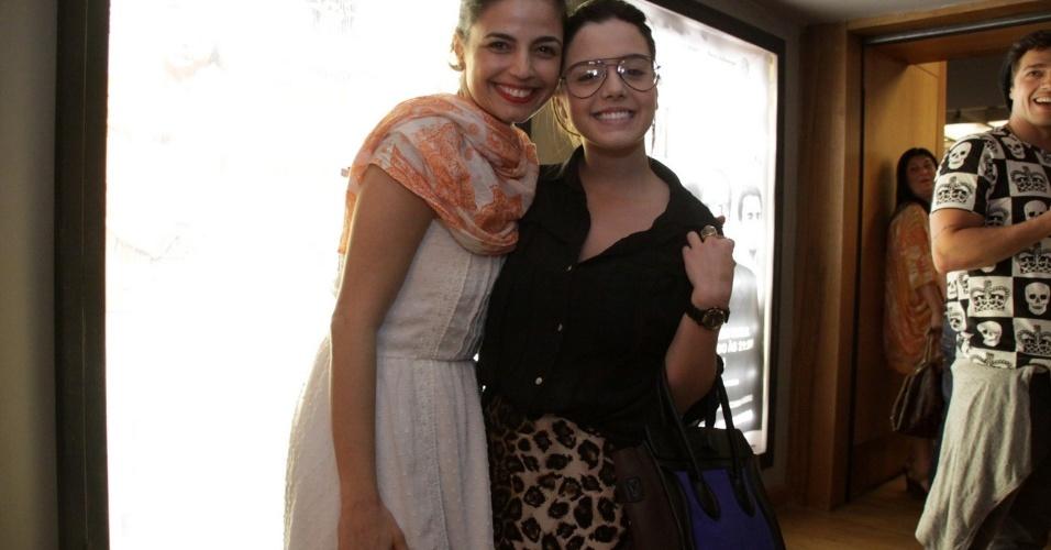 "Emanuelle Araújo e Giovanna Lancelotti assitem à peça ""O auto da compadecida"" no Teatro Fashion Mall, na Zona Sul do Rio"