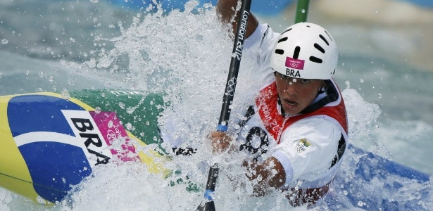 Aos 16 anos, Ana Sátila estreou nesta segunda-feira nos Jogos de Londres