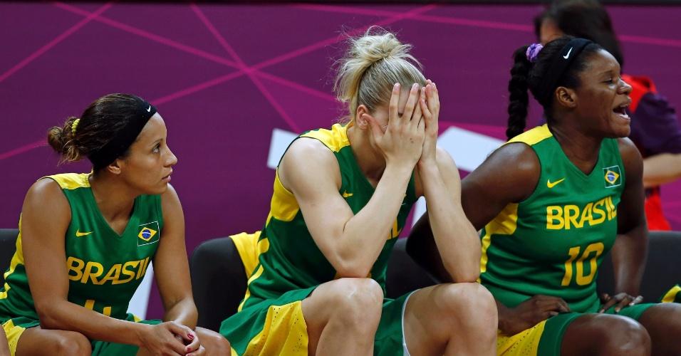 Jogadoras do Brasil lamentam derrota para a Rússia, a segunda seguida da seleção na Olimpíada