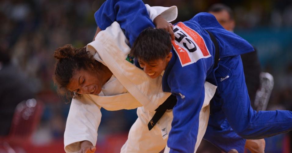 Judoca Rafaela Silva venceu com facilidade a alemã Miryam Roper na sua estreia na categoria até 57 kg