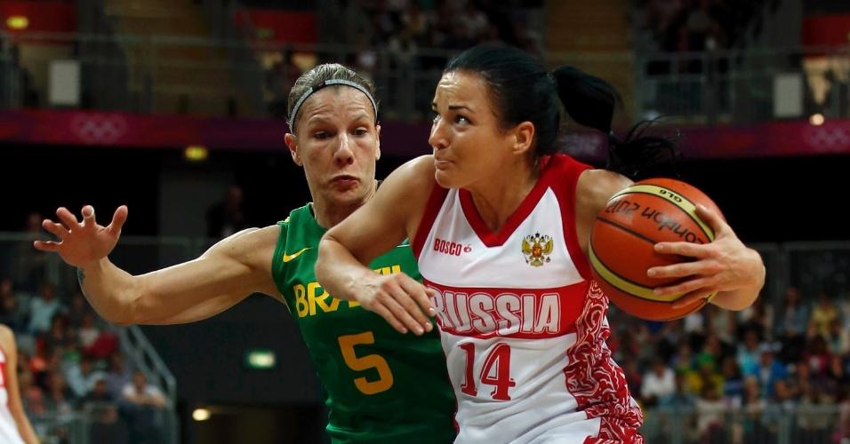 Karla Costa tenta evitar ataque russo no segundo desafio brasileiro nos Jogos de Londres