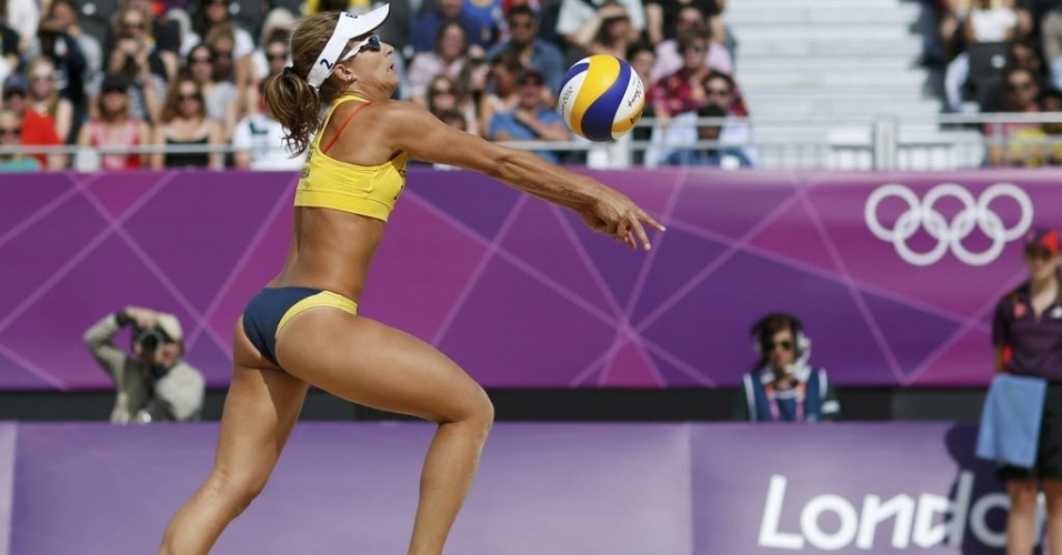 Larissa usa biquíni em vitória sobre dupla alemã nos Jogos de Londres